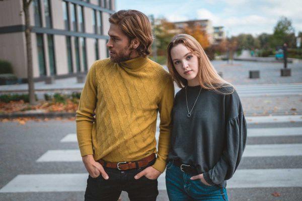 Mann und Frau mit Krank Gürtel Luitpold in schwarz und cognac