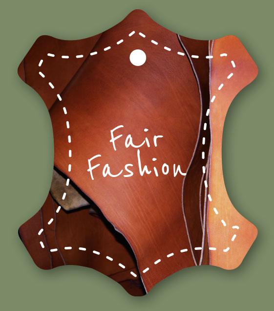 Etikett Fair Fashion auf grünem Hintergrund
