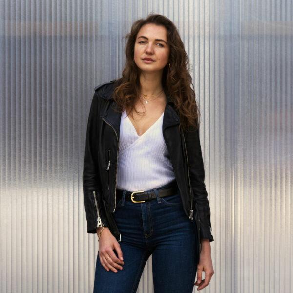 Model mit Maria schwarz 1 modell
